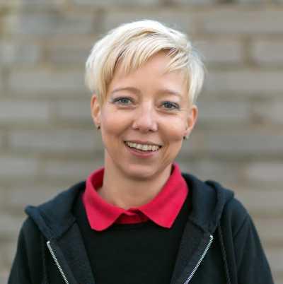 Sozialarbeiterin Petra Rothe vermittelt zwischen Menschen und Behörden.